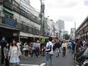 Tsukiji Fish Market is a very popular area in Tokyo