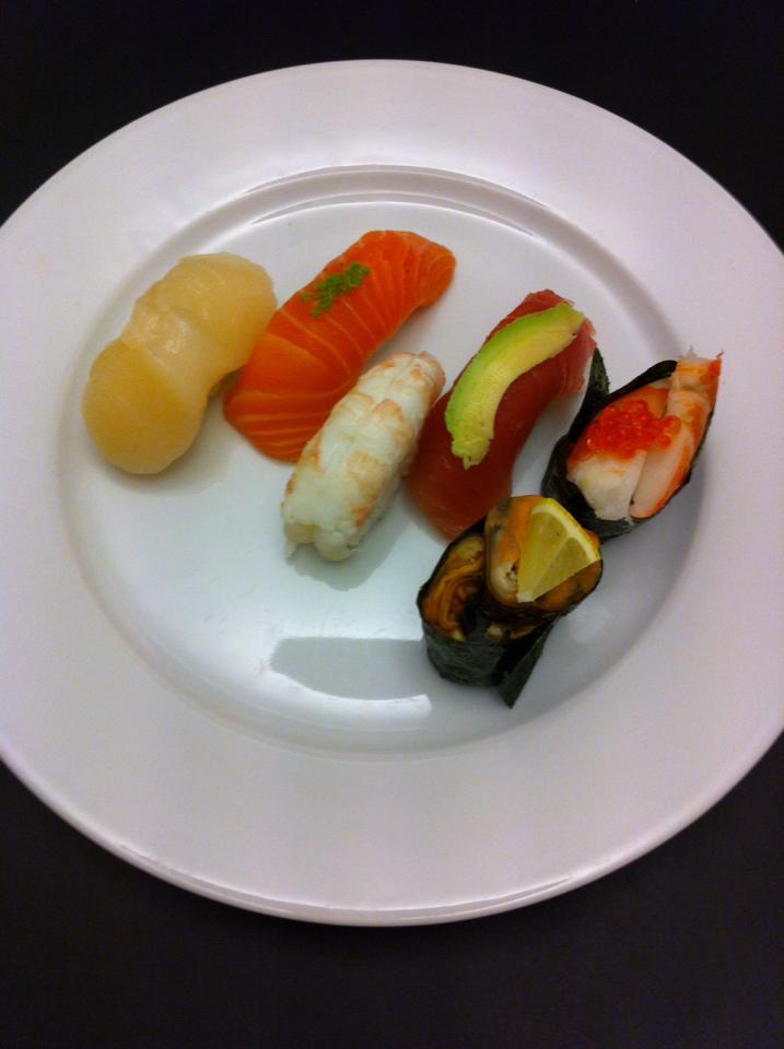 sushi ølstykke ømme bryster før folk